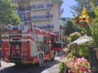 Paura a Tito. Appartamento in fiamme, intervengono i Vigili del Fuoco