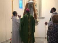 A Controne il Vescovo inaugura con una solenne cerimonia il fonte battesimale della chiesa di San Nicola