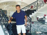 """Un ospite speciale per """"L'Araba Fenice"""". L'attore Max Giusti fa tappa nel resort di Altavilla Silentina"""