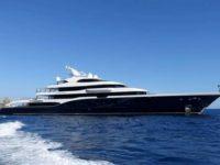 Il proprietario di Louis Vuitton fa tappa nelle acque di Palinuro con il suo yacht da 150 milioni di euro
