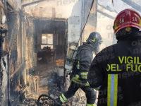 Incendio in un'abitazione a Sala Consilina. I Vigili del Fuoco evitano il peggio