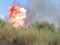 Ennesimo incendio nel Vallo di Diano. Brucia la vegetazione del Monte Vivo a Sala Consilina