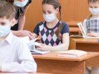 Covid-19,rientro a scuola, vaccino antinfluenzale.Le risposte del pediatra Luigi D'Alvano ai dubbi dei genitori