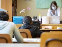"""Covid-19 in Campania. Riunione sul piano """"Scuola sicura"""", Regione pronta per test rapidi sugli studenti"""