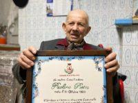 La comunità di Postiglione in festa per i 100 anni del signor Pietro Paolino