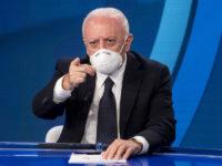 """Chiusura scuole in Campania. De Luca:""""Nelle Asl di Napoli e Caserta centinaia di contagi tra alunni e docenti"""""""