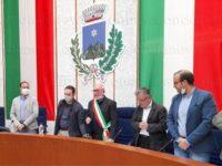 A Sassano il nuovo sindaco Domenico Rubino si insedia e presenta la sua squadra di governo