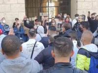 """A Salerno protesta di commercianti e ristoratori contro il coprifuoco. """"Saremo costretti a chiudere per sempre"""""""