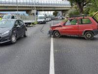 Sala Consilina: scontro tra due auto in contrada Quattro Querce. Un ferito