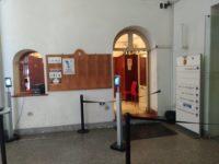Colonnine anti-Covid all'ingresso della Provincia di Salerno e nei Musei