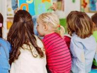 """""""Lasciamo che i bambini vivano serenamente la loro fanciullezza"""". Lettera aperta del professore Rocco Cimino"""