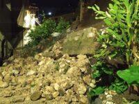 Frana un muro di contenimento nel centro storico di Auletta. Intervengono i Vigili del Fuoco