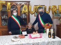 Gioia ad Agropoli per i 100 anni di nonna Carmelinda Amoroso