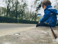 Salerno: la Municipale trova in strada bambino solo con una ferita alla testa. Si indaga
