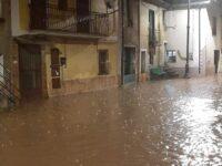 """Allagamenti a San Pietro al Tanagro. L'opposizione:""""Cittadini con i piedi nell'acqua e il sindaco nega"""""""