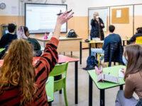 """Prolungamento anno scolastico. FLC CGIL Campania:""""Contrari alla proposta, si pensi ai problemi reali"""""""