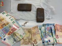 Salerno: scoperto mentre consegna droga a domicilio. Arrestato giovane pusher