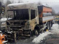 Camion spargisale prende fuoco sull'A2 del Mediterraneo tra Lauria e Lagonegro