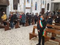 La comunità di Caggiano ricorda don Alessandro Brignone, morto un anno fa per complicanze da Covid