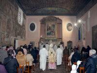 Vietri di Potenza: l'Arcivescovo Ligorio benedice la chiesa dell'Annunziata dopo i lavori di restauro
