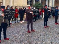 Uomini in scarpe rosse contro la violenza sulle donne. Intervista a Paolo Zanone, ideatore del flash mob