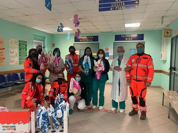 La Protezione Civile ANPAS Vola Sassano in visita al reparto di Pediatria dell'ospedale di Sapri