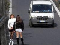 """85enne si vaccina contro il Covid e poi fa sesso con prostitute. Beccato ad Eboli:""""Con AstraZeneca sono rinato"""""""