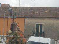 """Operai senza casco a Salerno. Vicinanza (Cisal): """"Nonostante i morti si continua a trascurare la sicurezza"""""""