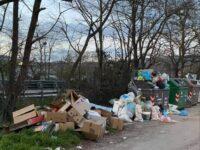 """""""Cittadini ancora costretti a vivere tra i rifiuti"""". La denuncia dei consiglieri di Centrosinistra di Potenza"""