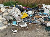 Cumuli di rifiuti abbandonati. La mano incivile dell'uomo colpisce alcune località di Sala Consilina