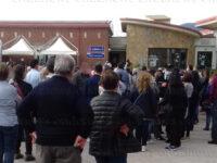 Caos e lunghe attese all'Open Day al Centro Vaccinale di Sassano. Necessario l'intervento dei Carabinieri