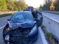 Scontro tra un'auto e un furgone sul Raccordo Sicignano-Potenza. Una persona ferita