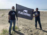 Plastic Free Vallo di Diano al grande evento di raccolta rifiuti sulla spiaggia di Castel Volturno