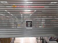 """""""Chiudiamo perché vogliamo aprire"""". Il Centro Commerciale Diano abbassa le serrande contro la chiusura nei weekend"""