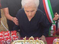 Sassano in festa per i 100 anni di nonna Francesca Ferro