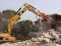 """Dossier """"Abbatti l'abuso"""" di Legambiente. I numeri delle mancate demolizioni in Campania"""