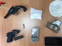 Trasporta droga nel clacson dell'auto e nasconde due pistole in casa. Arrestato 63enne di Potenza