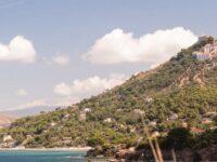 Viabilità nel borgo di Castellabate. Dal 15 giugno nuovo sistema di accesso per i bus turistici