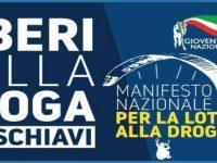 """""""Liberi dalla droga, mai schiavi"""". La manifestazione di Gioventù Nazionale e Fratelli d'Italia nelle piazze campane"""