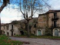 Roscigno Vecchia, il borgo dove le lancette dell'orologio si sono fermate