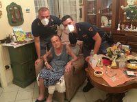 Salerno: anziana cade in casa senza riuscire ad alzarsi. Salvata dalla Polizia