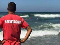 Turisti rischiano di annegare nel mare di Paestum. Salvati dai bagnini