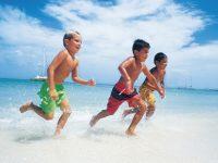"""""""Un'estate d'a…mare"""". Navetta e stabilimento balneare gratuito per i ragazzi di Celle di Bulgheria"""