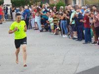A Salvitelle torna la tradizionale corsa a piedi nudi, segno di devozione a San Sebastiano