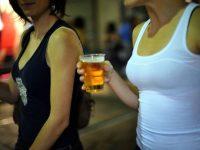 Movida e assembramenti a Salerno. Sanzioni per consumo di alcolici in luoghi pubblici dopo le 22