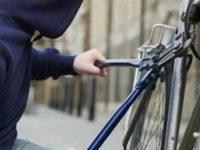 Sdegno a Palinuro. Gli rubano la bicicletta mentre è in preda ad una crisi epilettica per strada