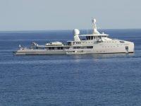 A Marina di Camerota arriva con 7 yacht l'ex emiro del Qatar. Finanziò la nascita di Al Jazeera