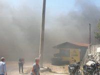 Incendio all'esterno di un deposito di materiale edile ad Auletta