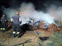 Fienile in fiamme nella notte a Sala Consilina. Vigili del Fuoco in azione