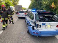 Incidente stradale sul Raccordo a Potenza. Coinvolta auto della Polizia, un ferito